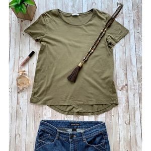 Zara B&W Collection army green tee high low hem